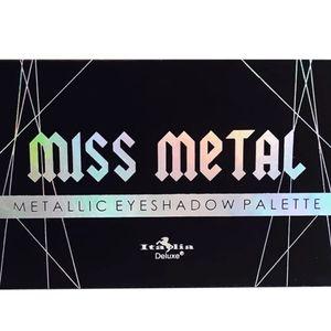 Makeup - Eye Shadow